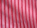 84702252-draperie-dungi-rosii
